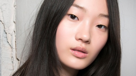 10 Miracle Products That Will Cure Chapped Lips Overnight | StyleCaster