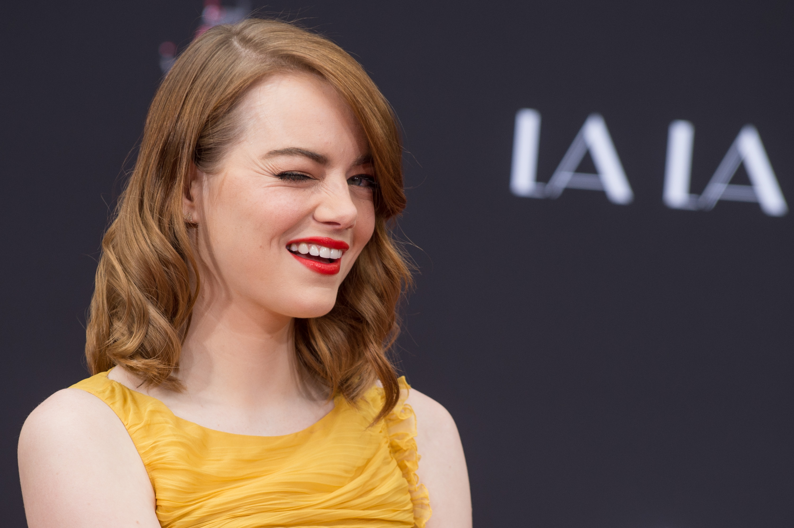 Here Are the 3 Workout Moves Emma Stone Does to Stay in Shape