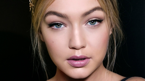 Whoa—Gigi Hadid Looks Completely Unrecognizable in This Makeup Photo | StyleCaster