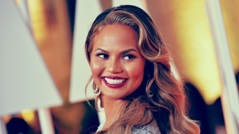 Here Are Chrissy Teigen's Stretch Marks in All Their Glory | StyleCaster