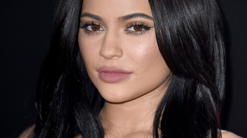 So, Kylie Jenner Just *Chopped Off* Her Hair!! | StyleCaster