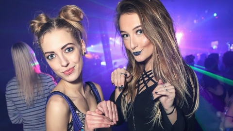 How to Make Your Makeup Stay All Night Long, According to Rave Girls | StyleCaster