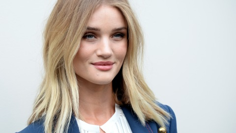 Rosie Huntington-Whiteley Lost Her Eyelashes While Filming 'Mad Max' | StyleCaster