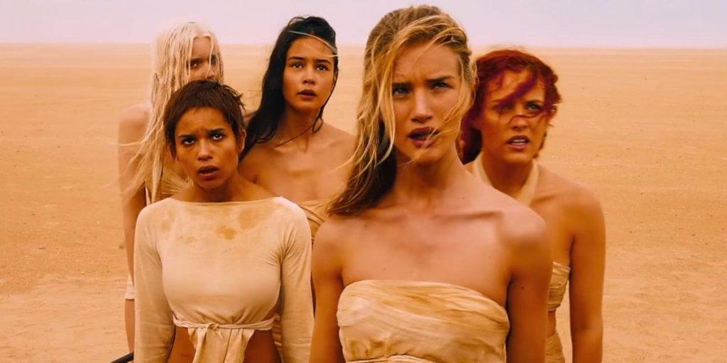 rosie huntington whiteley eyelashes1 Rosie Huntington Whiteley Lost Her Eyelashes During the Filming of Mad Max
