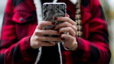 Dating App Users Have Peak Chances for Love on THIS Day | StyleCaster