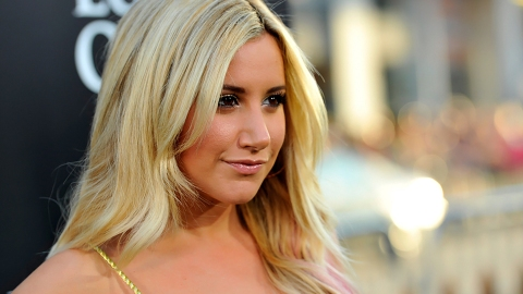 Uh, Guys? Ashley Tisdale Does NOT Look Like Ashley Tisdale Anymore | StyleCaster
