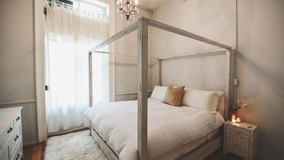 Best Minimalist Bedrooms That'll Inspire Your Inner Decor Nerd