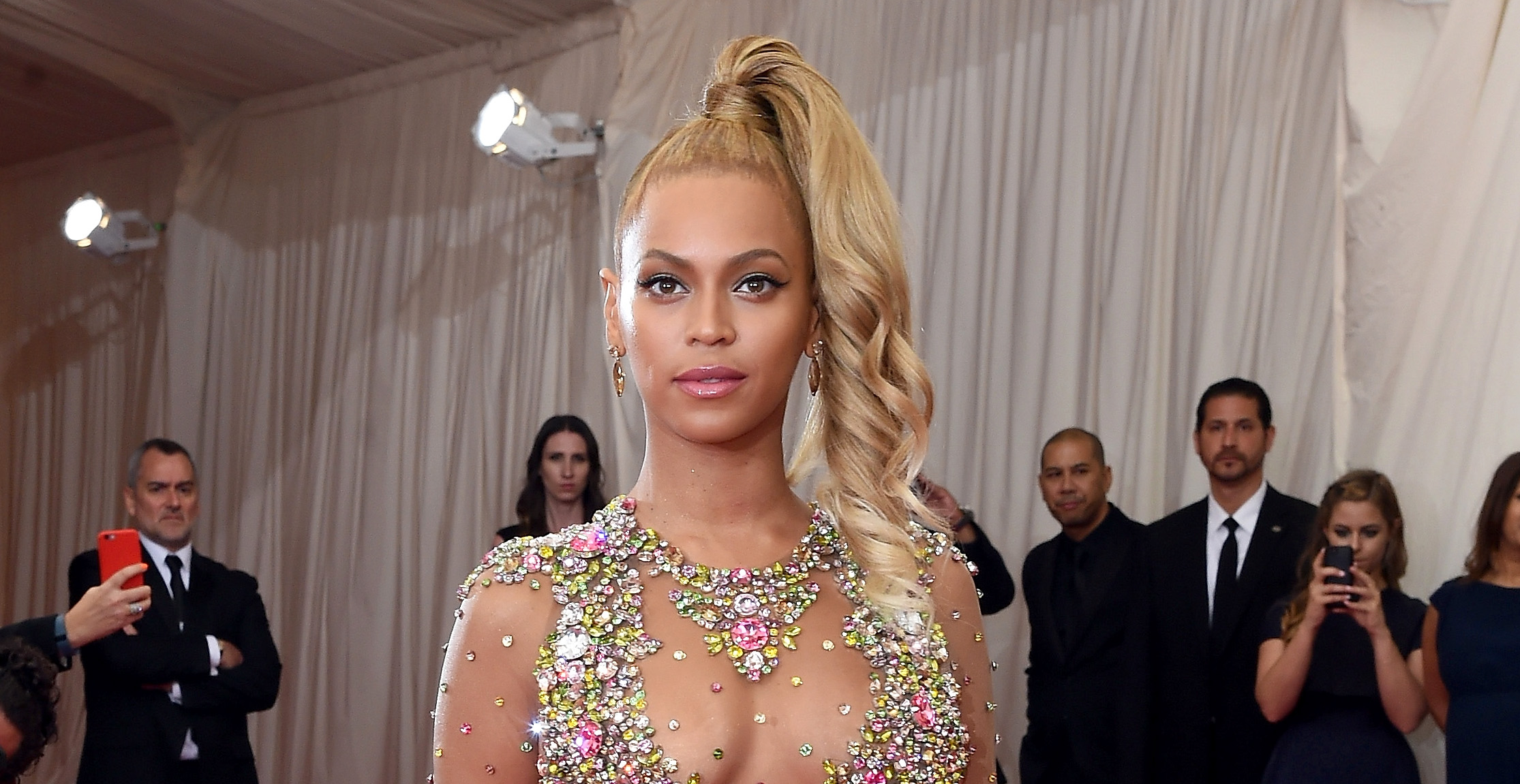 Hold the Phone: Beyoncé Is Pregnant with Twins