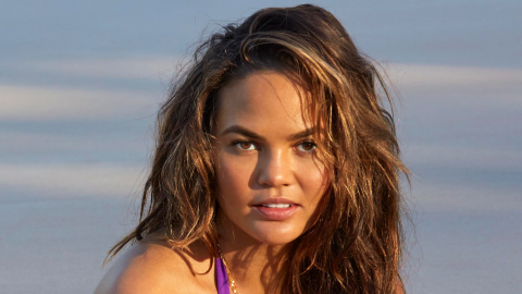 Chrissy Teigen Poses Topless for Her 1st Post-Baby 'SI' Shoot | StyleCaster