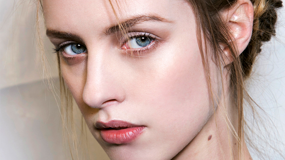 13 No-Fuss Hairstyles That Are Shockingly Pretty (and Easy!)