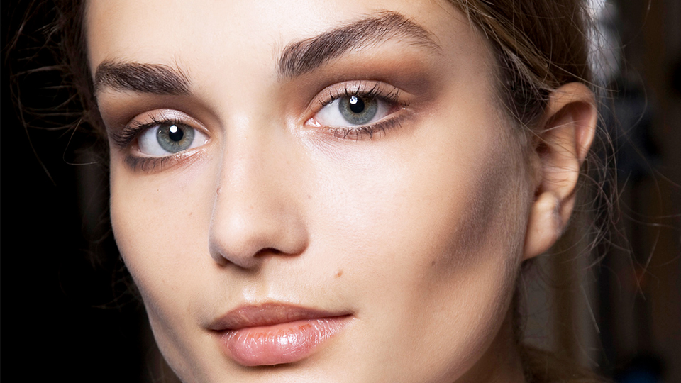 The Best Eyebrow Growth Serum That Transformed My Brows in a Month