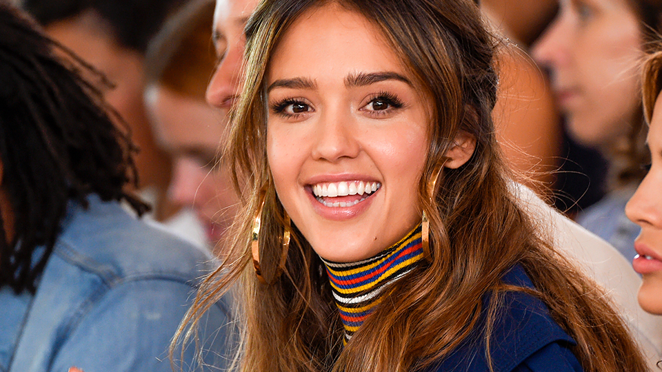 The Futuristic Product Jessica Alba Uses on Her Popped Pimples