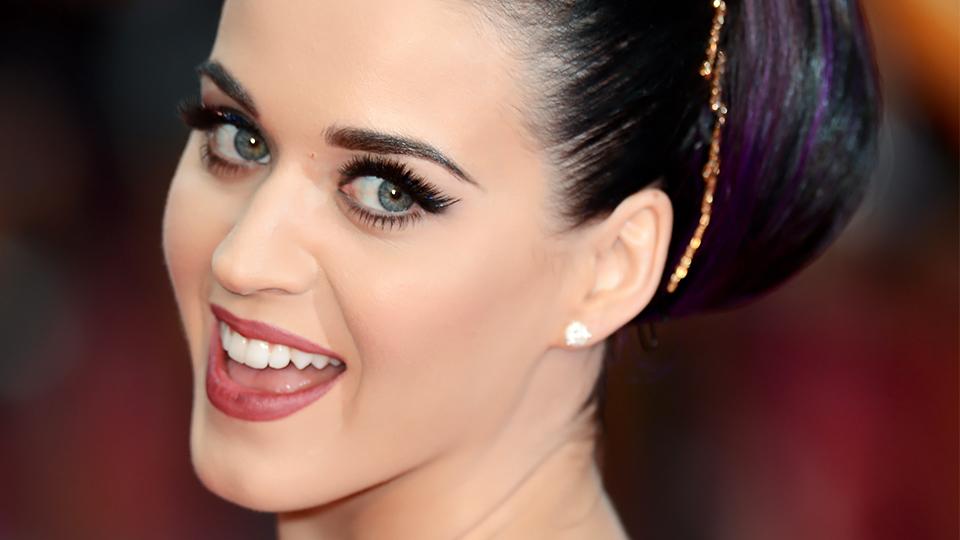 MAKEOVER ALERT: Katy Perry Got a Platinum-Blonde Bob