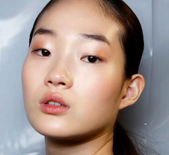 allude bbt s15 024 12 Best Illuminating Moisturizers for Glowing, Dewy Skin