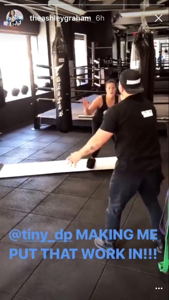 ashley graham 1 Ashley Grahams Exact Workout Looks Hard as Hell