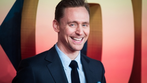 See the Awkward Moment When Tom Hiddleston Is Asked About Taylor Swift | StyleCaster