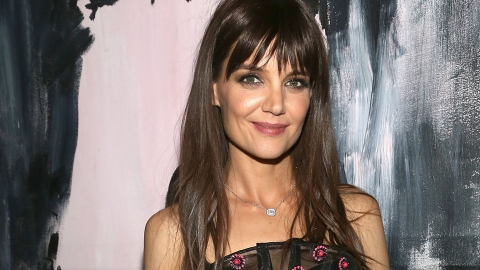 Celeb Doppelgänger Alert! Katie Holmes and Suri Cruise Look Identical In This Pic | StyleCaster
