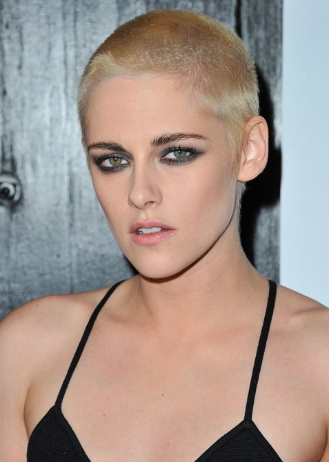 kristen stewart platinum buzz cut embed Kristen Stewarts New Frosted Tips Will Give You Serious 90s Nostalgia