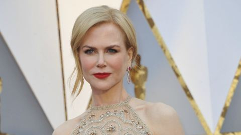 Nicole Kidman Finally Explains That Bizarre Clapping at the Oscars | StyleCaster