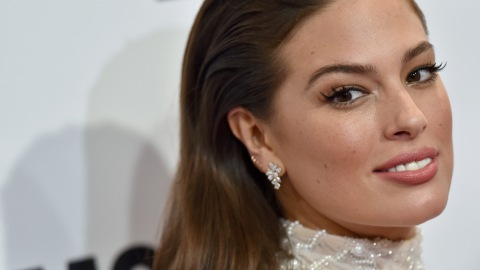 These Comments Made Ashley Graham Cry Over Her Sports Illustrated Cover | StyleCaster