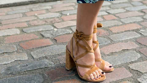 The Street-Style Guide to Spring Sandals | StyleCaster