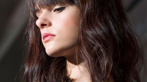 8 Easy Hacks for Avoiding Split Ends At Home Without a Trim | StyleCaster