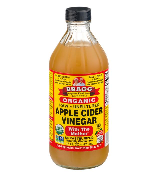 apple cider vinegar rinse Apple Cider Vinegar Gave Me The Shiniest Hair of My Life