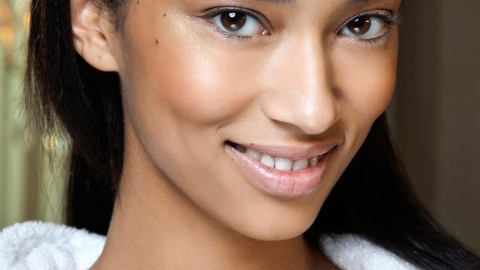 Barbed Wire Eyebrows Are a Thing Now, Too | StyleCaster