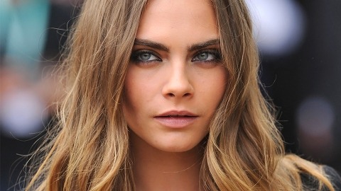 So Cara Delevingne Has Blue Mermaid Waves Now | StyleCaster