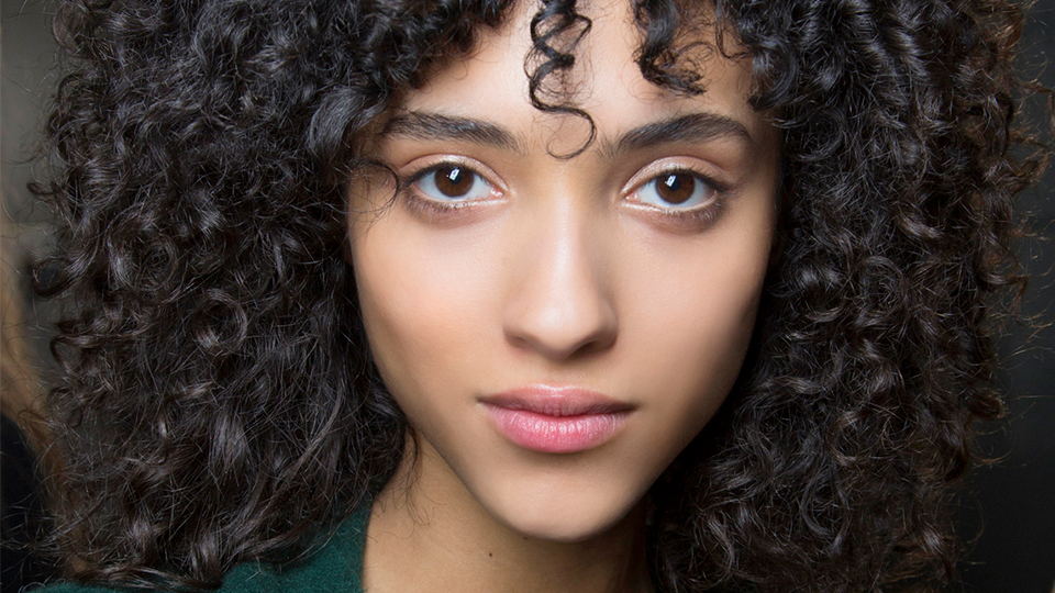 How To Easily Dry Curly Hair Without Frizz Stylecaster