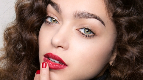 The 9 Best Lipsticks, According to Makeup Experts | StyleCaster