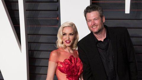 Blake Shelton Bows Down to Gwen Stefani at Billboard Music Awards | StyleCaster