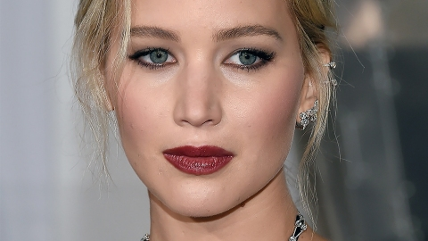 Jennifer Lawrence Got White Bangs, Looks Unrecognizable | StyleCaster
