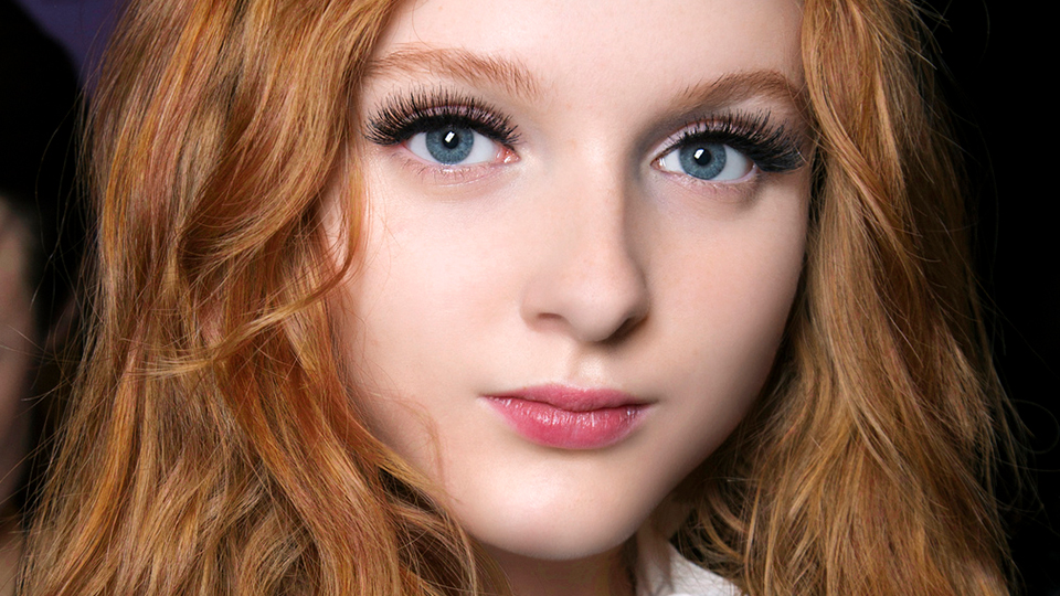 Subtle Faux Eyelashes For a Natural Look