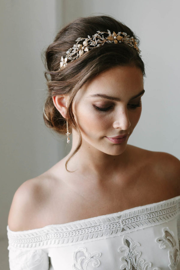 rosebury crystal wedding crown 2 600x900 50 Genius Wedding Ideas to Help You Throw the Most Unique Wedding Ever