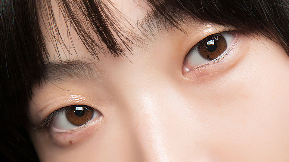 Yellow Eyes? Here's How to Make them Whiter | StyleCaster