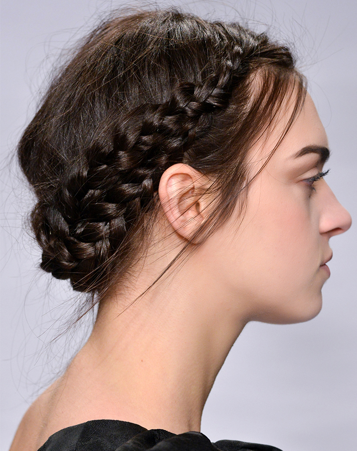 halo braid tutorials Here's Exactly How to do The Halo Braid on (Almost) Every Hair Type