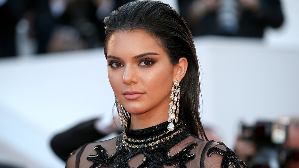 You Have to See Kendall Jenner's Chic 1960s-Style Bangs