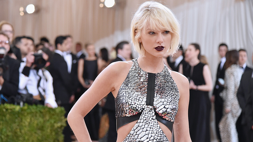 Taylor Swift Has a Goth Twin and It'll Leave You Shook