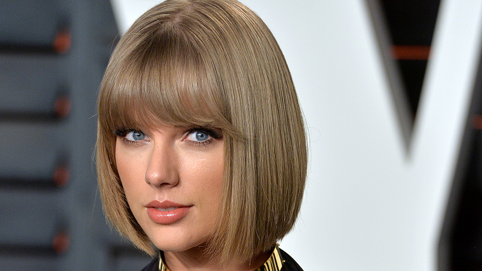 Taylor Swift Goes Makeup Free With New Curly Hair Stylecaster