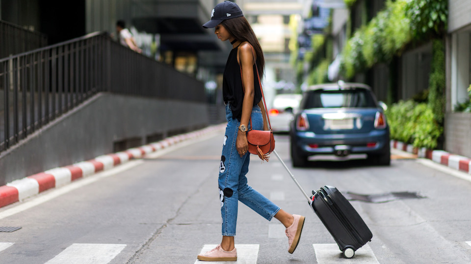 Travel Tips for Booking Flights and Packing