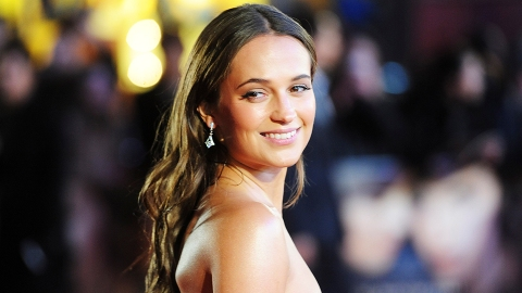 Have You Seen Alicia Vikander's Six-Pack? Because You Need To | StyleCaster