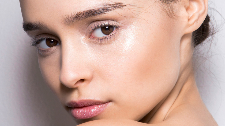 Sleek Powder Contour Kits For a Snatched Jaw Line
