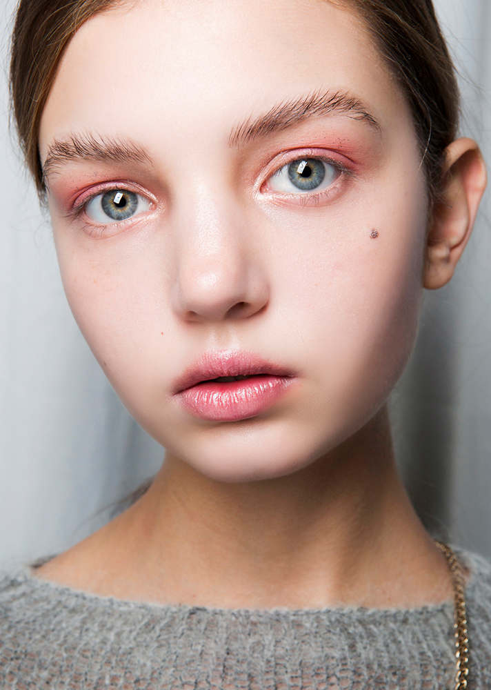 feathered brows pink eyeshadow The Definitive Guide to Growing Out Your Eyebrows