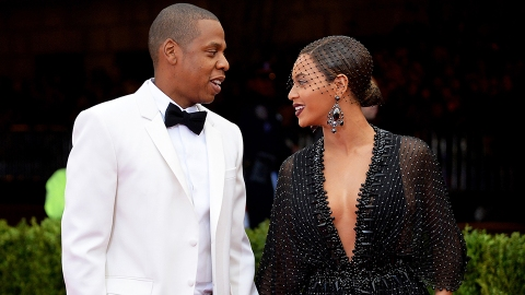 Beyoncé's Response To A Woman Chatting Up Jay-Z Has Twitter Buzzing & OMG It's Too Good | StyleCaster