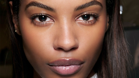 The New Hourglass Lip Gloss Has Shine That's Basically Unreal | StyleCaster