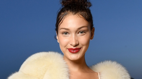 Bella Hadid's Trying to Make the Shower Selfie a Thing | StyleCaster