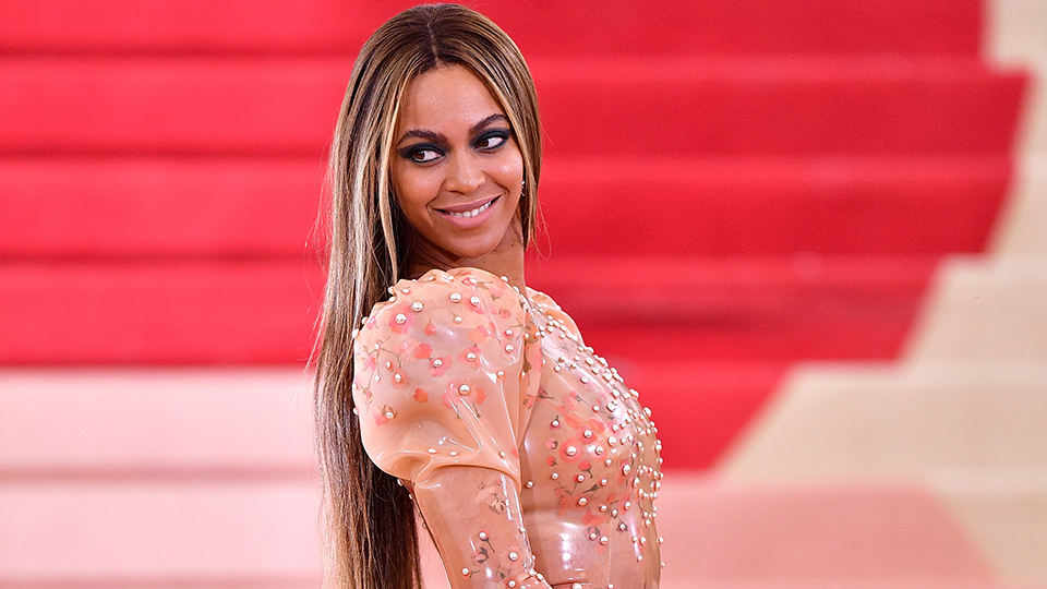Beyoncé Uses This Brilliant Beauty Hack to Tame Her Brows