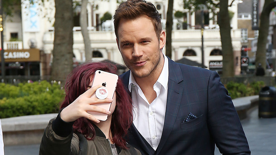 Celebrities Who Won't Take Pictures with Fans