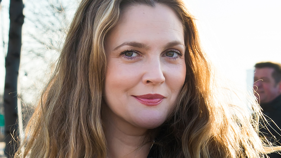 Drew Barrymore's Unwaxed Brows Are Relatable as Hell